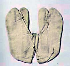 雷電為右衛門使用の木綿足袋 相撲博物館蔵